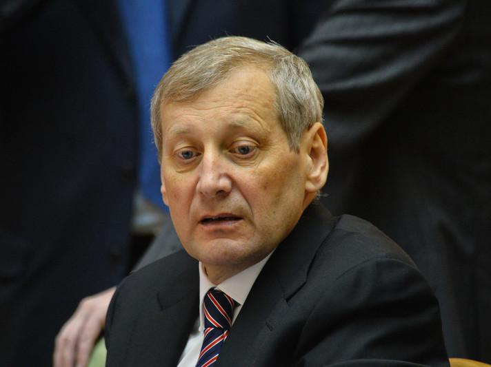 Віце-прем'єр-міністр України Валерій Вощевський запропонував розробити зміни до законодавства, що передбачили б функціонування єдиного державного підприємства з видобутку та реалізації бурштину.