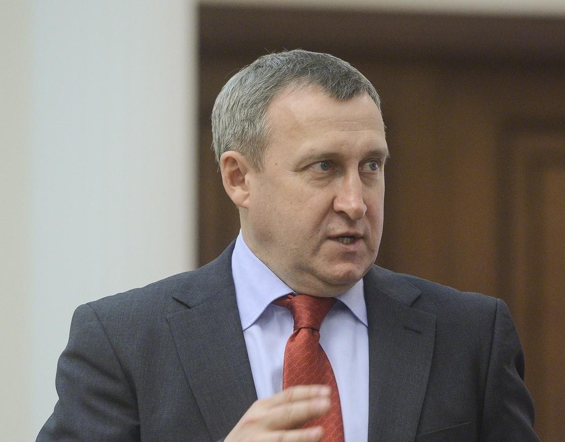 Екс-очільник МЗС України Андрій Дещиця вважає, що ефективним форматом мирних переговорів на Донбасі може бути лише так званий женевський формат, коли за круглий стіл сяде увесь ЄС.