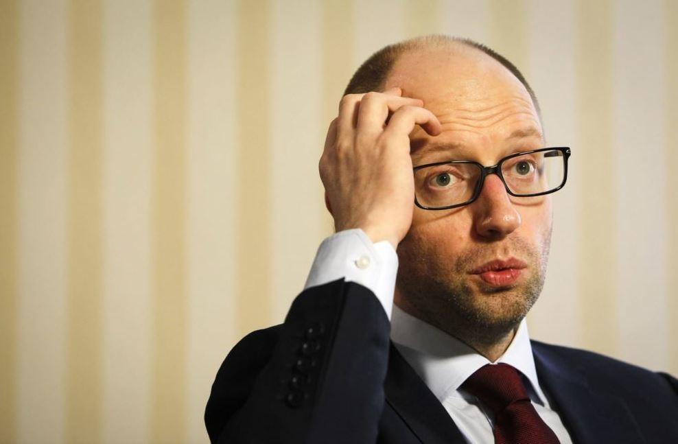Прем'єр-міністр України Арсеній Яценюк засумнівався в ефективному використанні міністерствами та державними підприємствами кредитів, отриманих від міжнародних донорів.