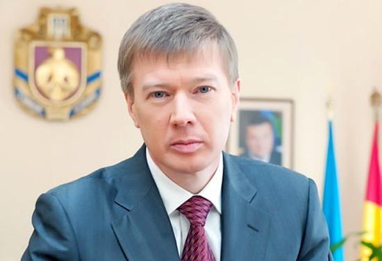 Народний депутат від партії «Опозиційний блок» Сергій Ларін вирішив змінити мандат нардепа на місце в  Кіровоградській обласній раді.