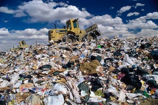 Черкаський сміттєвий полігон вичерпає свої можливості уже наступного року, після чого вивозити відходи з міста буде нікуди, констатують експерти.