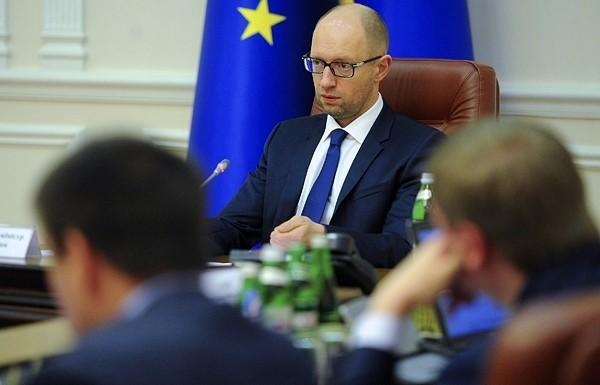 Прем'єр-міністр України Арсеній Яценюк уже готує кадрові зміни в Кабінеті міністрів, які раніше він сам анонсував.