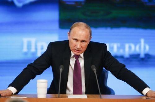 За останній час сталося кілька серйозних подій, які змусили притримати настрої «яструбів» з команди радників президента РФ Володимира Путіна.