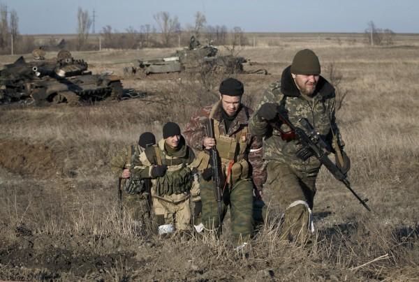 Незважаючи на відносне затишшя у зоні проведення антитерористичної операції, бойовики не припиняєть переміщення своїх піхотних груп на ключових напрямках.