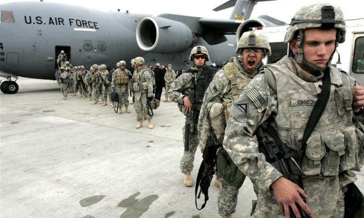 Північноатлантичний альянс (НАТО) не розглядає і не вивчатиме питання щодо можливої відправки своїх військ в Україні.