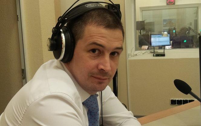 Генеральна прокуратура підозрює колишнього голову Державної авіаційної служби Дениса Антонюка у зловживанні владою або службовим становищем.