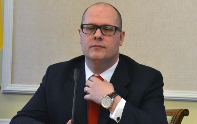 Олігарх Ігор Коломойський укладав таємні угоди з менеджерами «Укрнафти» про додаткове фінансове заохочення.