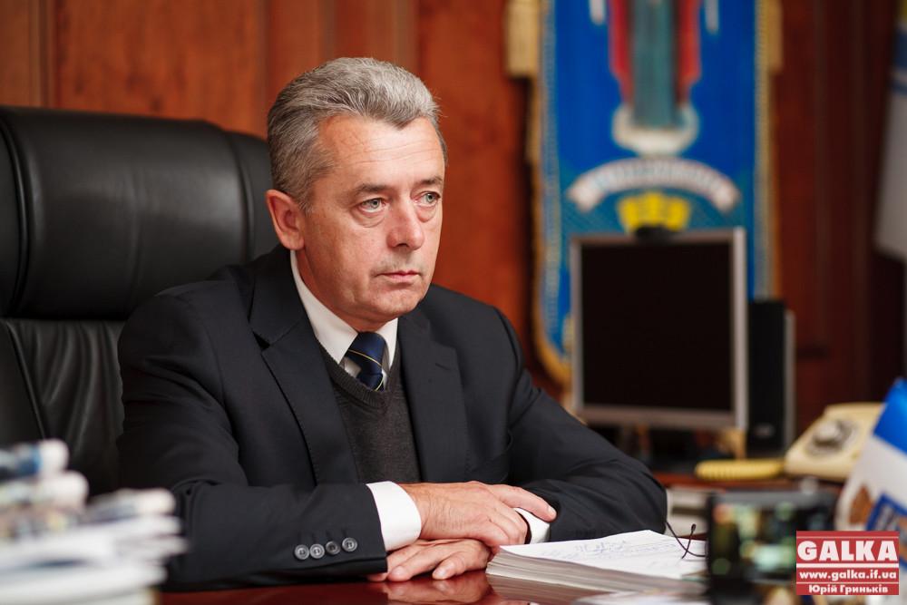 Мер Івано-Франківська Віктор Анушкевичус на місцевих виборах підримає «Українську народну партію», яку очолює його заступник Михайло Верес.