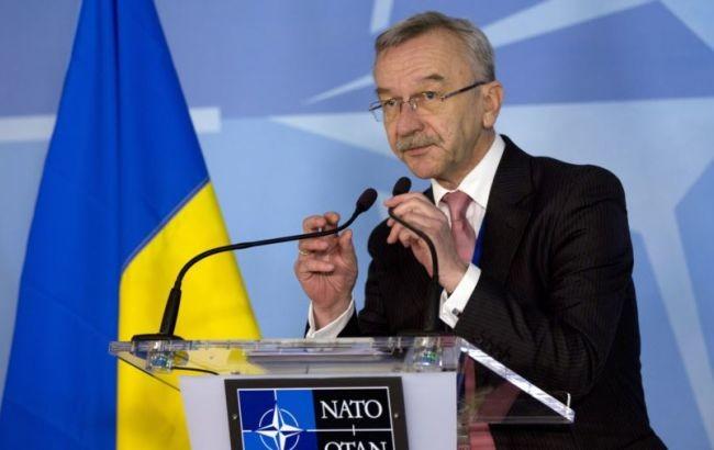 Угода між Україною та НАТО, що має бути підписана найближчим часом, зафіксує статус дипломатичного представництва Альянсу в Україні, що, у свою чергу, дасть можливість спростити процедури взаємодії з організацією без імплементаційних угод.