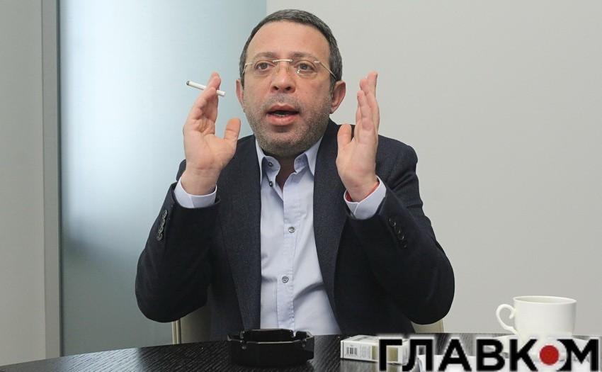 Лідер партії «УКРОП» Геннадій Корбан, який балотується в мери Києва, у разі перемоги на виборах пообіцяв віддати будівлю столичної мерії в оренду.