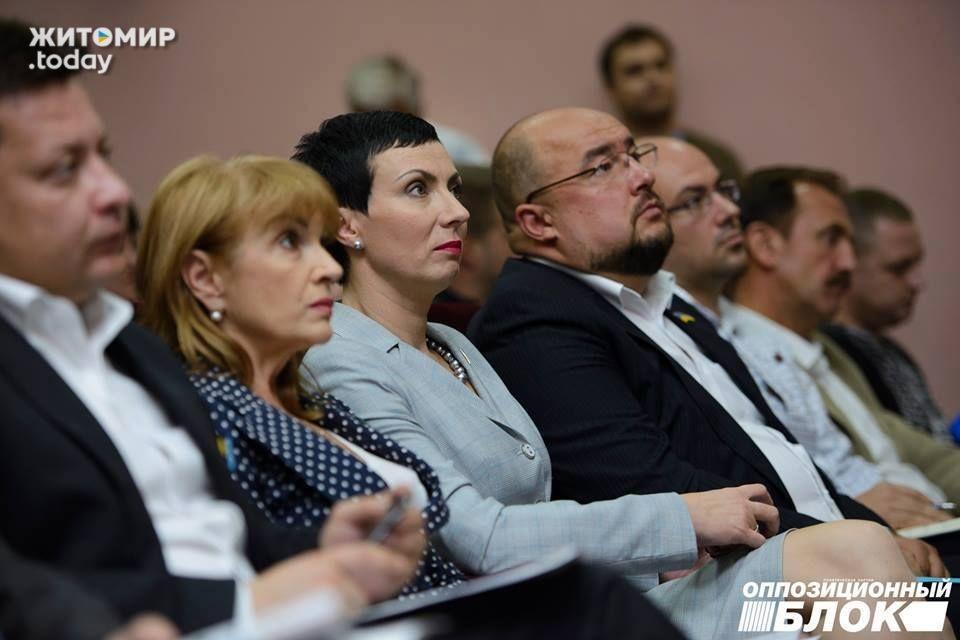 Депутат Житомирської міської ради, екс-секретар міської ради часів правління Володимира Дебоя Наталія Леонченко була висунута в мери Житомира.