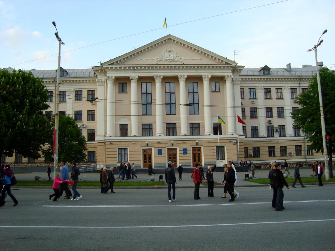 Територіальна виборча комісія станом на 1 жовтня зареєструвала 22 кандидати на посаду міського голови Запоріжжя.