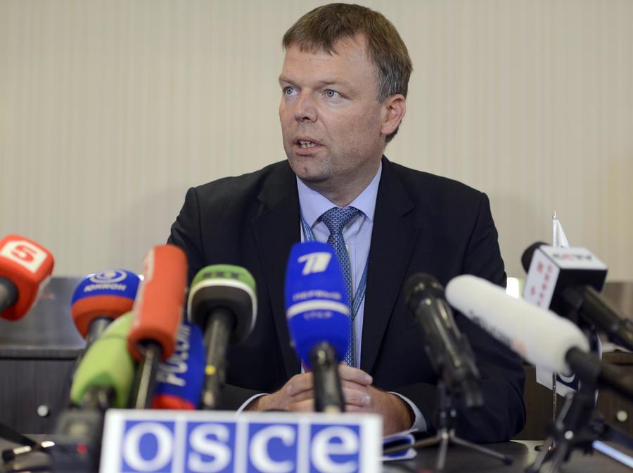 Заступник голови спеціальної моніторингової місії ОБСЄ Александр Хуг назвав обстріл бойовиками сил АТО порушенням.