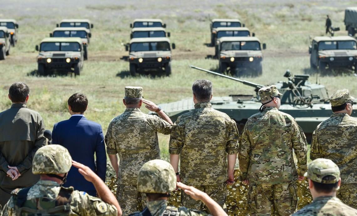 Президент України Петро Порошенко запевнив, що до кінця 2015 року Збройні сили України отримають додатково майже 8,5 тис. зразків озброєння та техніки.