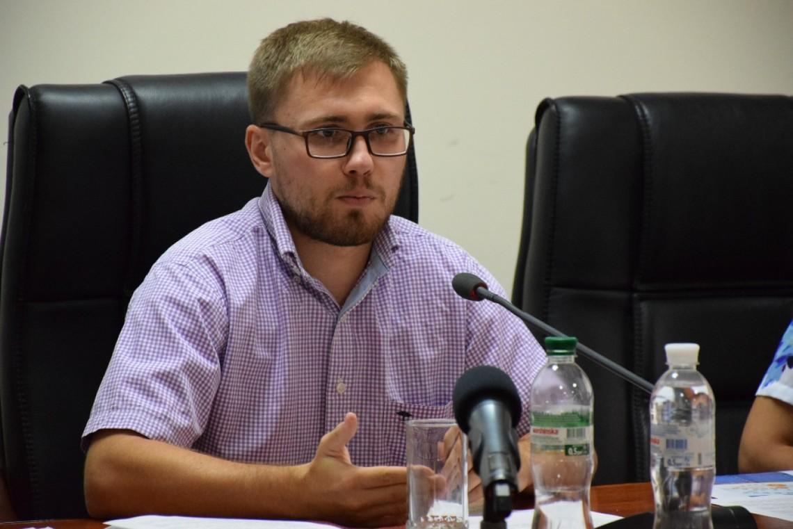 Чинний міський голова Рівного Володимир Хомко так і не сформулював чіткої комплексної програми напередодні місцевих виборів.