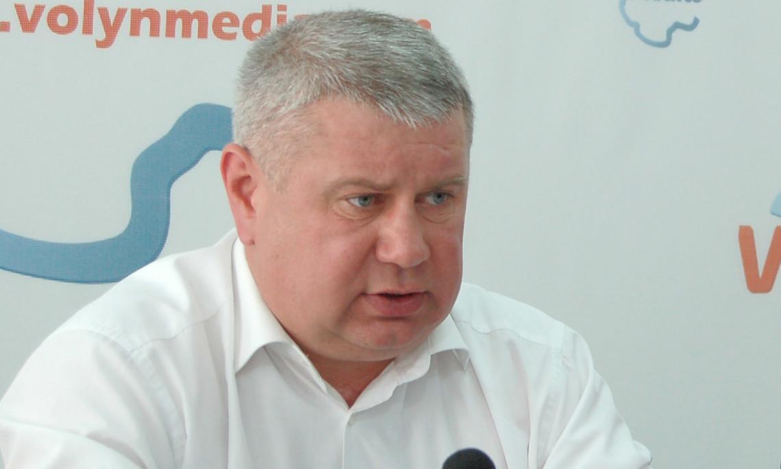 Нардеп фракції «БПП» Андрій Антонищак заявив, що він зареєструє депутатське звернення про звільнення заступника міністра фінансів Олени Макєєвої.