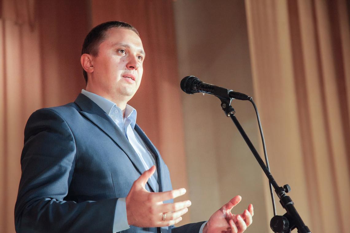 Народний депутат України Олександр Кодола заявив, що в Чернігівській області партія «Наш край» займається підкупом виборців.