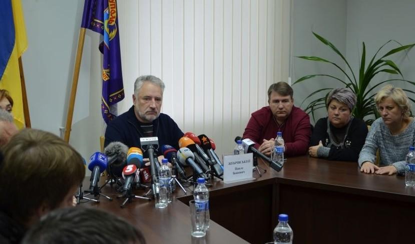 Глава Донецької військово-цивільної адміністрації заявив, що сьогодні виборів в Маріуполі вже не буде.