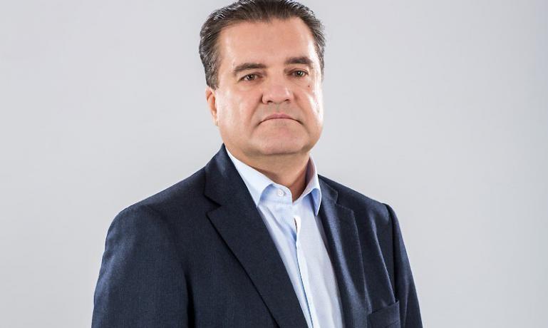 Всупереч словам нардепа Олександра Дубініна, кілька депутатів з фракції «БПП» підписалися за відставку генерального прокурора Віктора Шокіна.