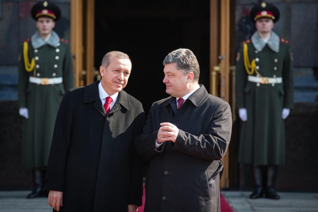 Президент України Петро Порошенко обговорив з президентом Туреччини Реджепом Ердоганом питання, пов'язані з правами кримських татар в окупованому Криму.