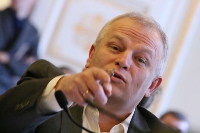 Представник Президента України у Верховній Раді наголосив на необхідності об'єднання дій парламенту та Президента, тому що в іншому разі Україні загрожує розпад.