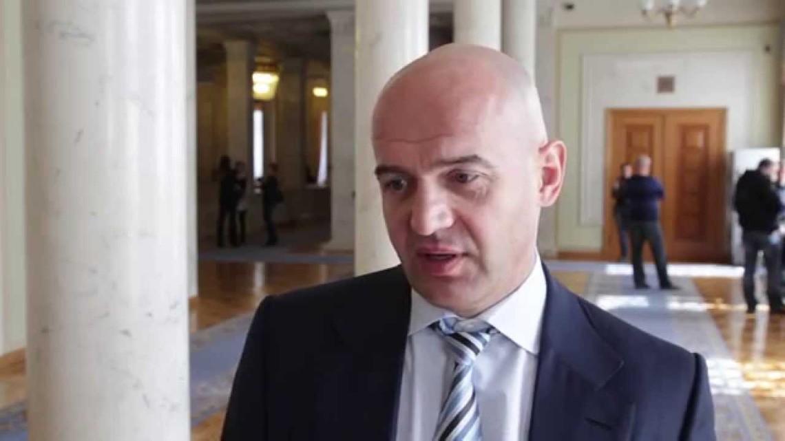 Після заяви лідера фракції «Батьківщини» Юлії Тимошенко про бойкотування голосувань за закони в «БПП» вирішили запропонувати альтернативний варіант зниження ренти на газ.