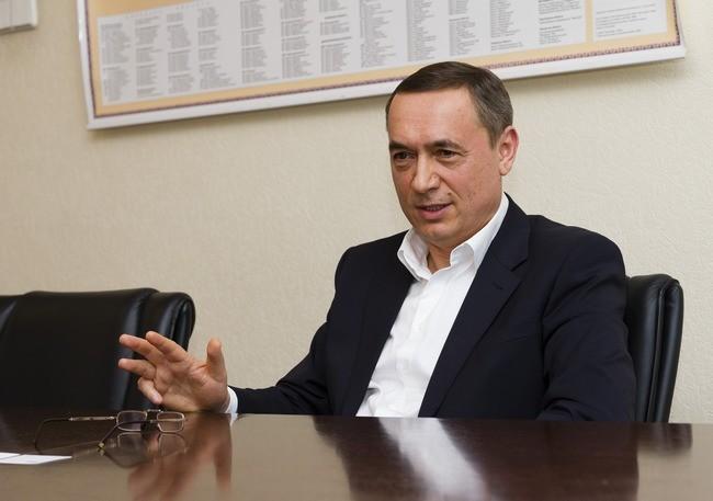 Народний депутат, голова парламентського комітету з питань енергетики Микола Мартиненко стверджує, що офіційно жодна прокуратура світу не висувала йому жодних підозр.