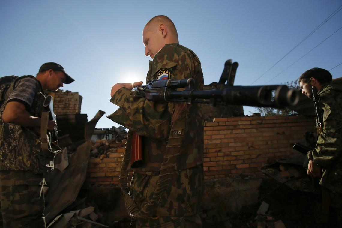 Координатор групи «ІС», нардеп Дмитро Тимчук повідомив, що до одного з районів Донецької області прибули кадрові російські військові.