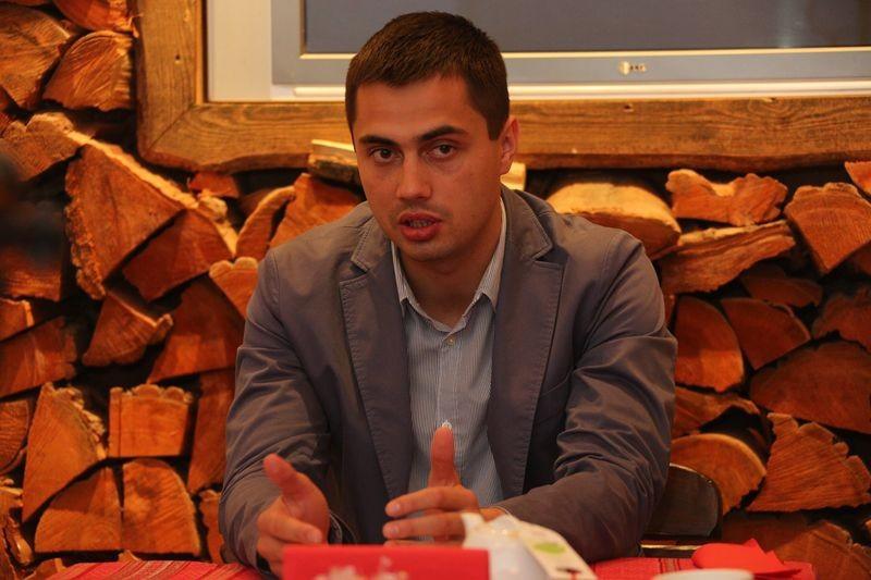 Нардеп від «БПП» Єгор Фірсов заявив, що завданням нової внутрішньофракційної групи, до якої він належить, буде відставка генерального прокурора Віктора Шокіна.