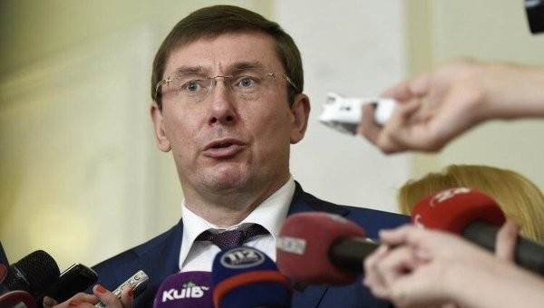 Засоби масової інформації заважають об'єктивній роботі комісії з обрання антикорупційного прокурора, вважає лідер фракції «БПП», народний депутат Юрій Луценко.