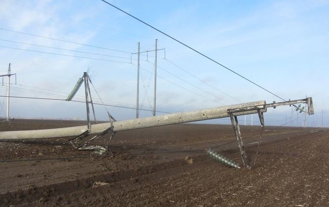 Ремонт лінії електропередач Каховка-Титан, що є одним із каналів постачання електроенергії в окупований Крим, почнеться не раніше 30 листопада.