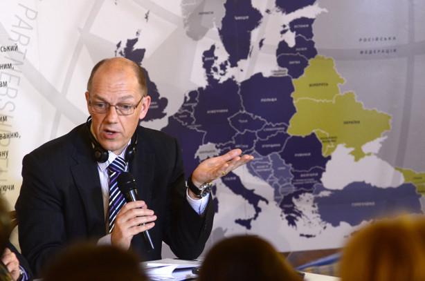 Керівник торгово-економічного відділу Представництва ЄС в Україні Ніколас Бердж заявив, що не слід чекати миттєвого економічного ефекту від ЗВТ з Європою.