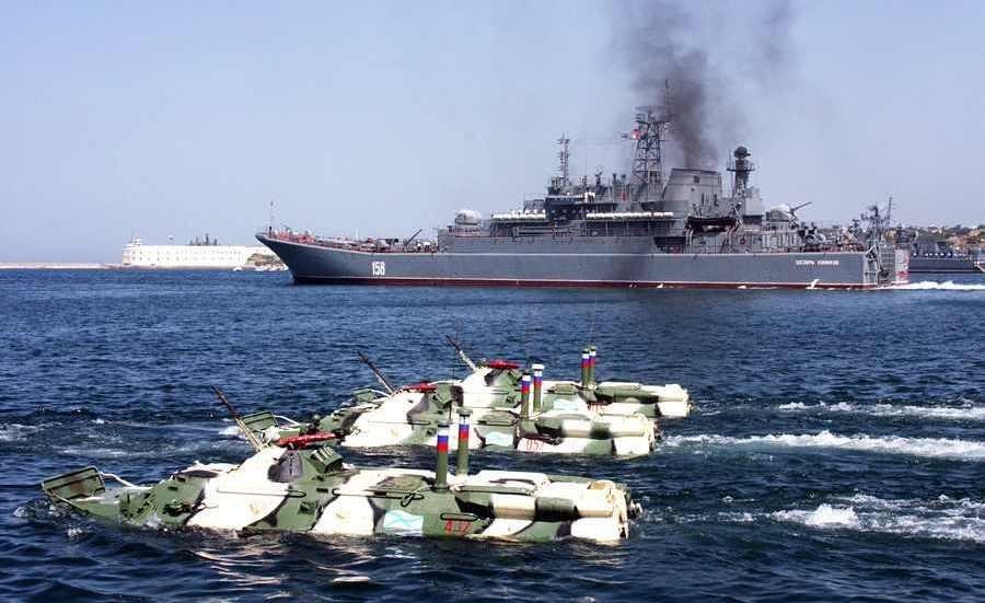 «Віце-прем'єр» анексованого Криму Руслан Бальбек вважає, що морська блокада півострова закінчиться зустріччю з російськими кораблями.