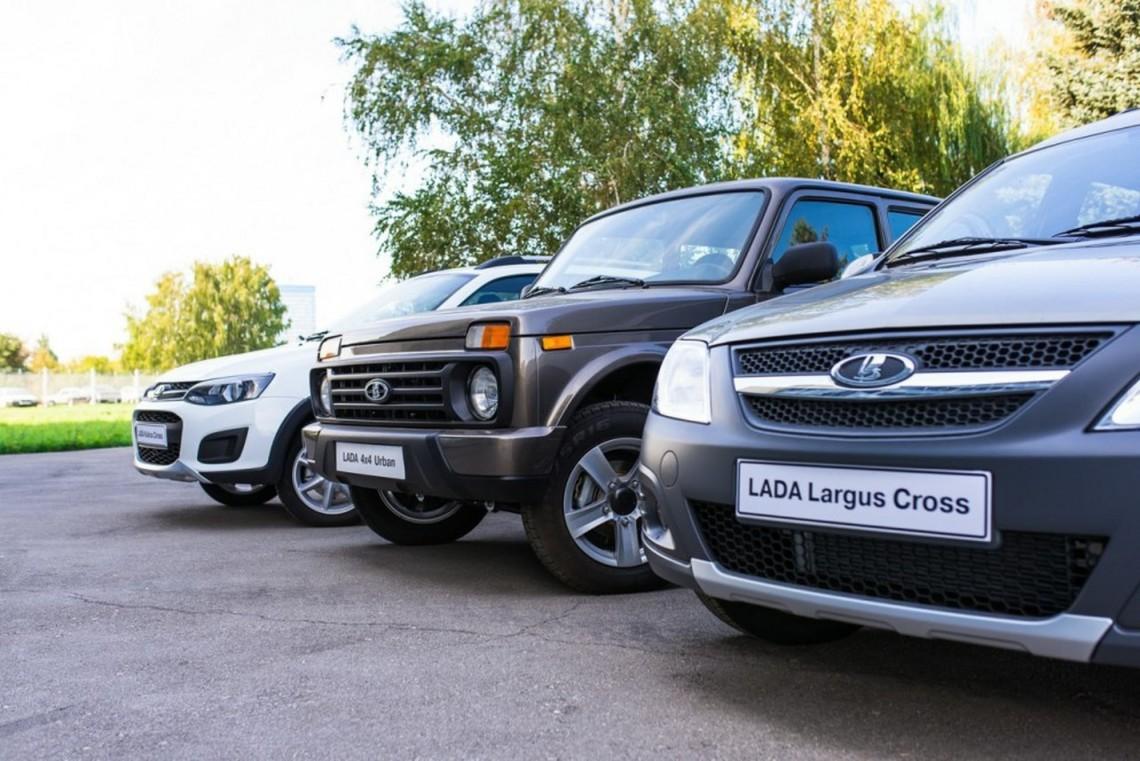 Україна з 3 січня 2016 року запроваджує додаткові ввізні мита на автомобілі російського виробництва.