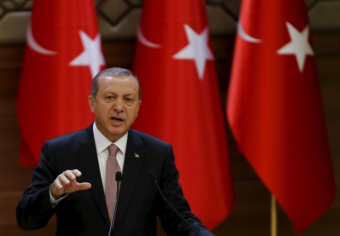 Турецький лідер Реджеп Тайіп Ердоган заявив, що Туреччина має докази того, що Росія торгує нафтою з «Ісламською державою».