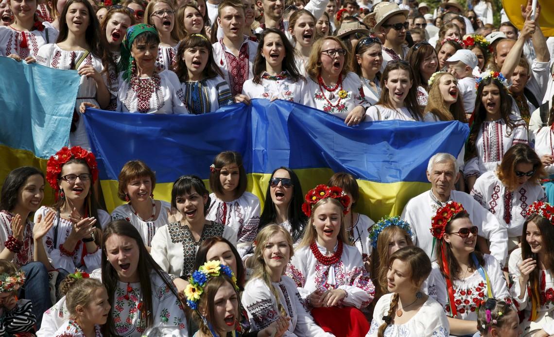 Майже 50 відсотків українців вважають, що чинна влада країни не робить усього можливого для захисту державного суверенітету.