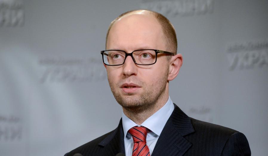 Прем'єр-міністр 5 листопада заявив, що Кабмін поверне проект закону щодо документів, які засвідчують особу, до наступного пленарного тижня.