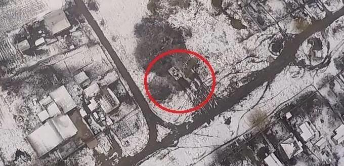 Терористи продовжують активно зміцнювати фортифікаційні споруди і посилювати свої позиції.