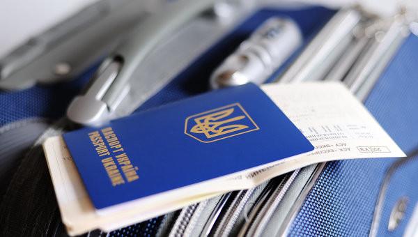 Єврокомісія готує позитивний звіт щодо можливості запровадження безвізового режиму з Україною та Грузією.