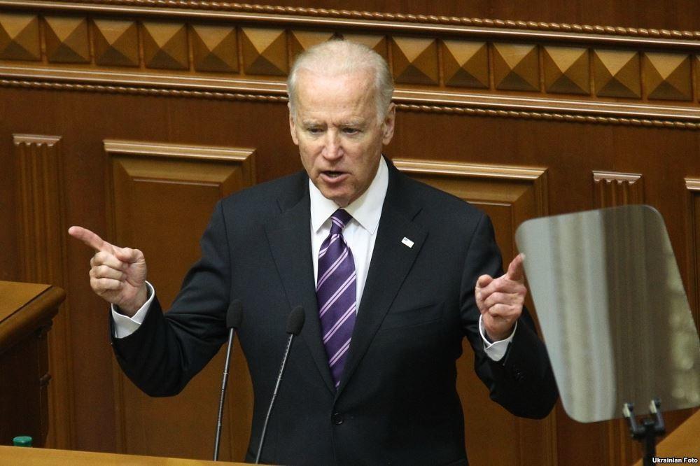 Віце-президент США Джозеф Байден засудив напад народного депутата від «БПП» Олега Барни на прем'єр-міністра України Арсенія Яценюка.