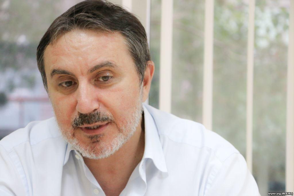 Координатор блокади Криму Ленур Іслямов заявив, що морська блокада планується на кінець 2015-початок 2016 року.