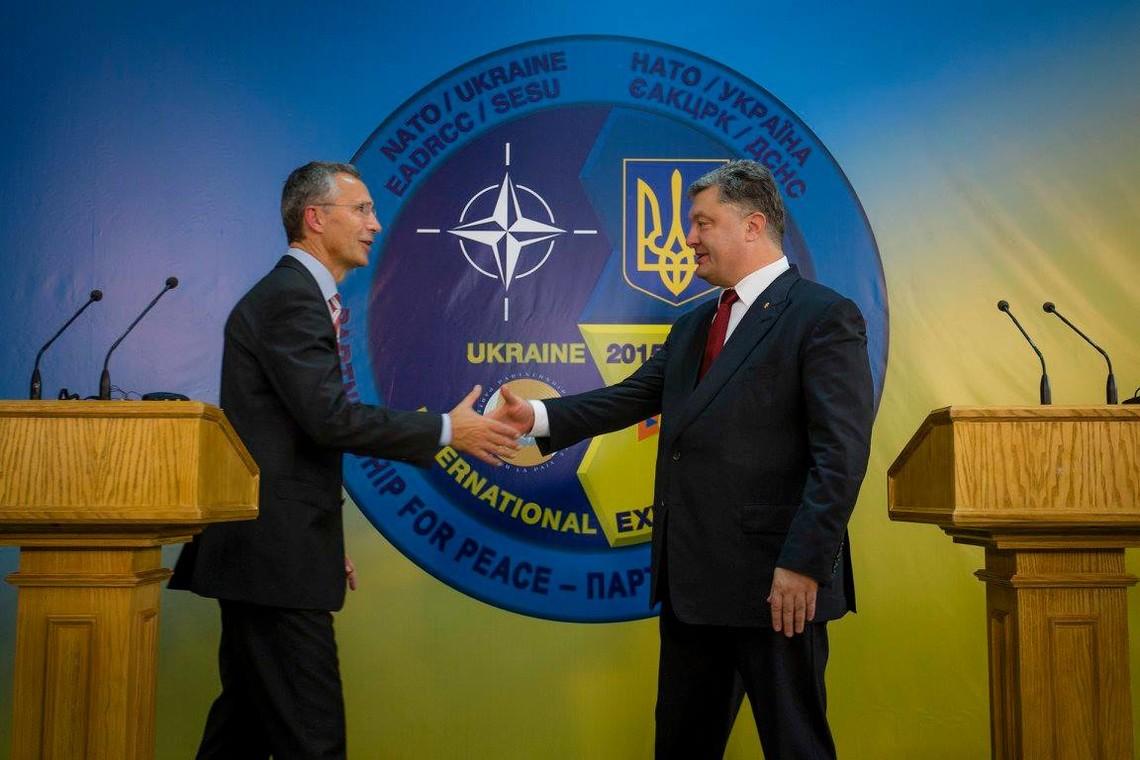 Президент України Петро Порошенко заявив, що ЗСУ мають на меті досягти повної сумісності зі стандартами Північноатлантичного альянсу