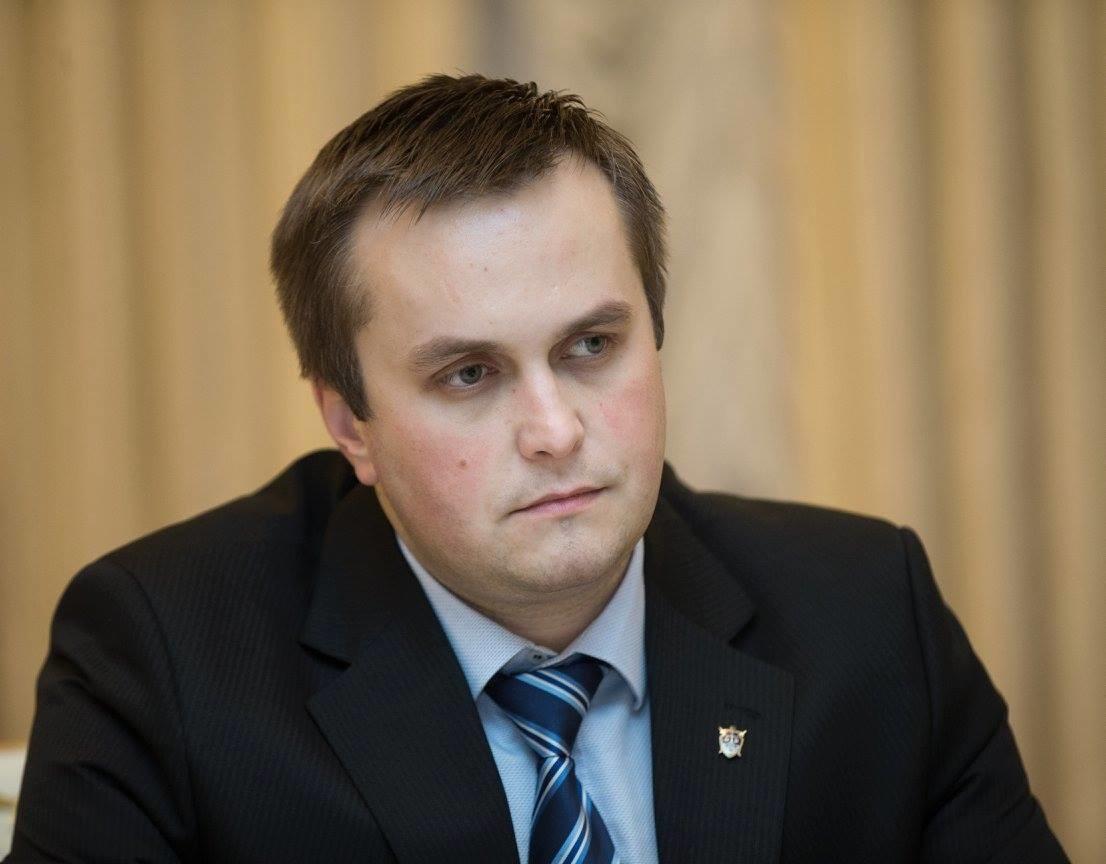 Керівник Антикорупційної прокуратури Назар Холодницький заявив, що його відомство у разі виявлення фактів корупції у вищих ешелонах влади займеться їх розслідуванням
