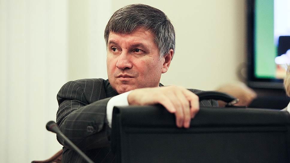 Міністр внутрішніх справ Арсен Аваков не бачить іншого виходу для коаліції, окрім як домовлятися для досягнення хоч якогось позитивного процесу