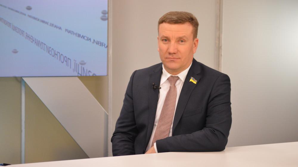 Народний депутат України від фракції «Народного фронту» Роман Заставний так і не оприлюднив обіцяні результати перевірки неправомірних рішень суддів.
