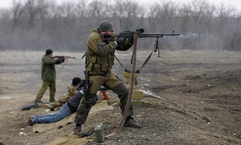 Проросійські бойовики продовжують обстрілювати українські позиції з мінометів, гранатометів, кулеметів, ПЗРК і стрілецької зброї.
