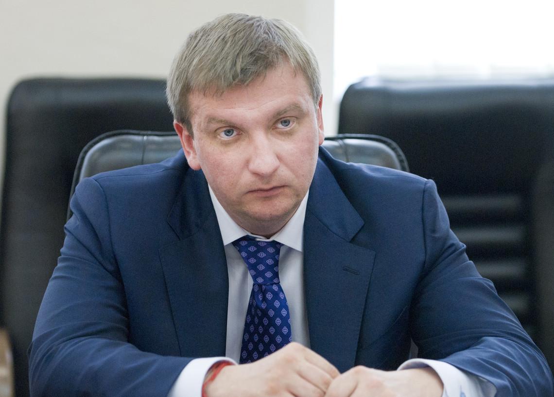 Міністр юстиції Павло Петренко не виконав обіцянку щодо оперативного оприлюднення відкритої частини документів щодо санкцій України проти Російської Федерації.