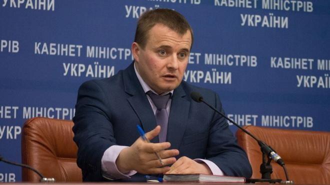 У Міністерстві енергетики та вугільної промисловості України очікують зниження цін на нафтопродукти на тлі здешевлення нафти.