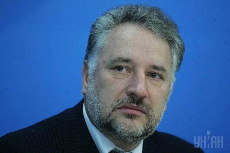 Голова Донецької обласної військово-цивільної адміністрації Павло Жебрівський забезпечив закупівлю для регіону 67 карет швидкої допомоги замість обіцяних 70.