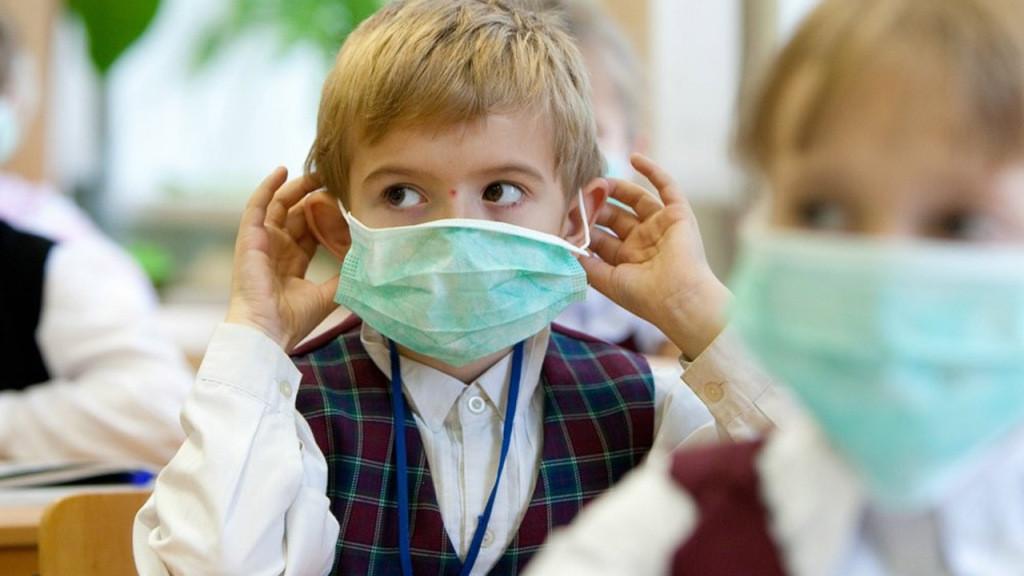 У Києві з суботи, 16 січня, запроваджується карантин у закладах освіти та охорони здоров'я, а також обмеження на проведення публічних заходів.